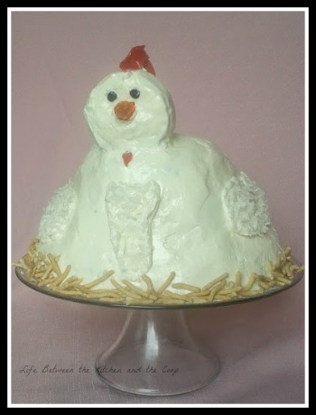 cakes, DIY, birthday, backyard chickens, sweets, chicken cake, dessert, cake decorating