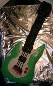 electric guitar cake WM