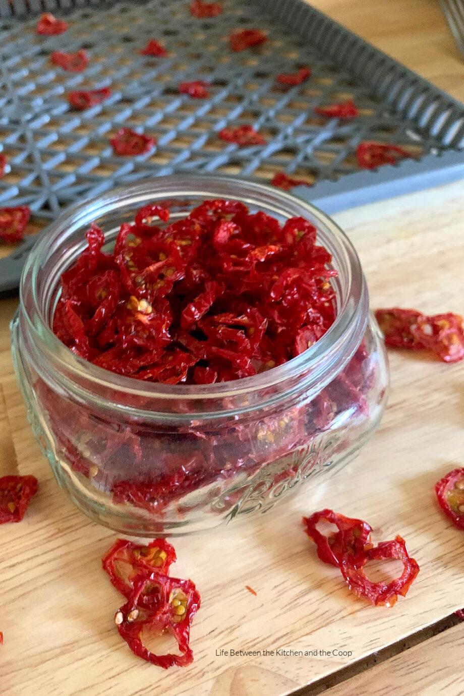 sun dried tomato in mason jar